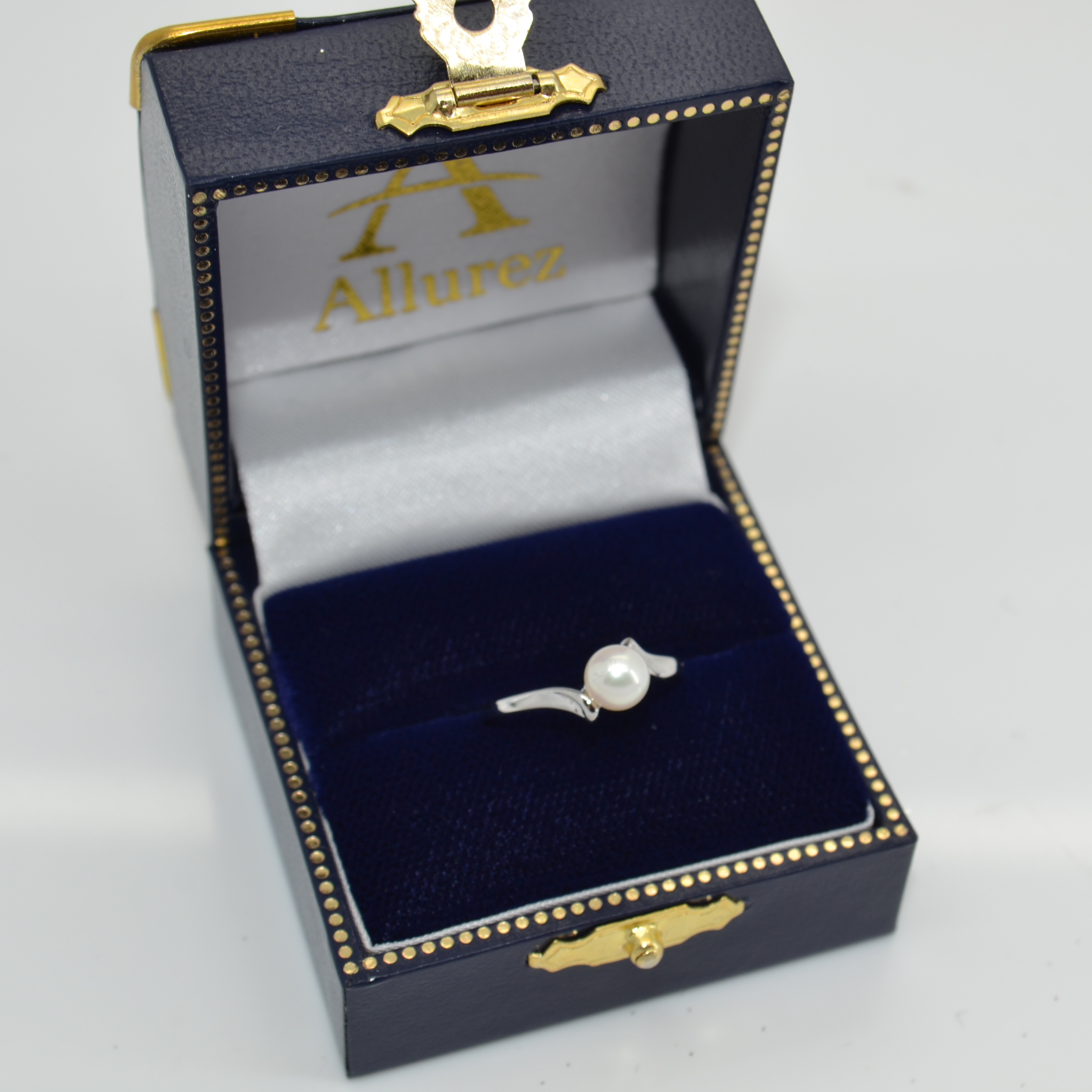 Solitaire Bypass Akoya Cultured Pearl Ring 14k White Gold (5.5mm)
