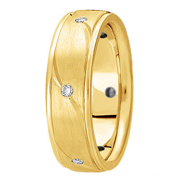 Men's Burnished Diamond Wedding Ring in 14k Yellow Gold (0.18 ctw)