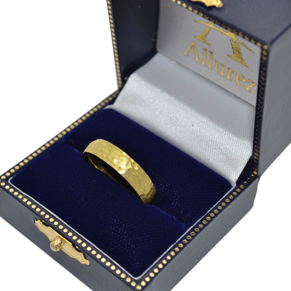 Men's Wedding Band Dome Comfort-Fit Milgrain 14k Yellow Gold (5 mm)