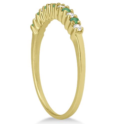 Petite Diamond & Emerald Wedding Band 14k Yellow Gold (0.20ct)