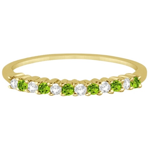 Petite Diamond & Peridot Wedding Band 14k Yellow Gold (0.20ct)