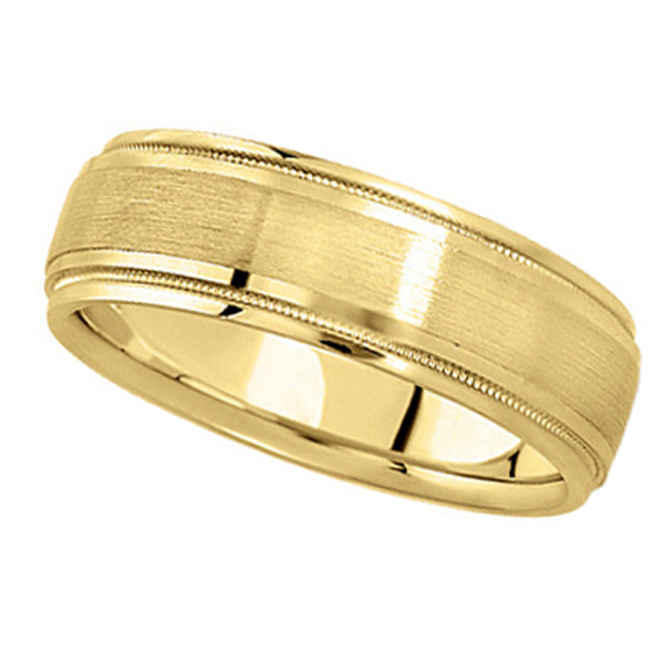 Carved Wedding Band in 18k Yellow Gold For Men (7mm)