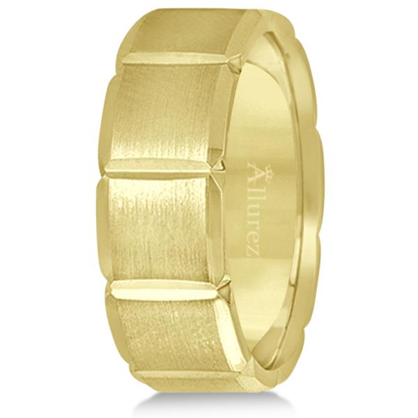 Diamond Carved Wedding Band For Men in 14k Yellow Gold (8mm)