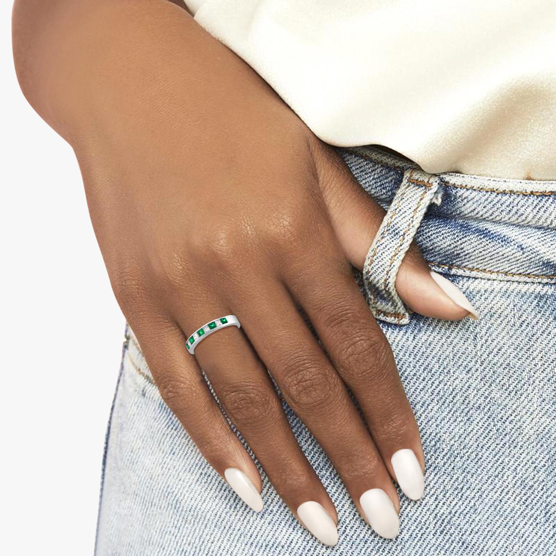 Princess-Cut Diamond & Emerald Ring Band 14k White Gold (0.73ct)