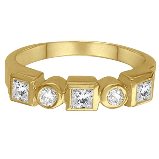 Princess-Cut & Round Diamond Ring in 14K Yellow Gold (0.60ct)