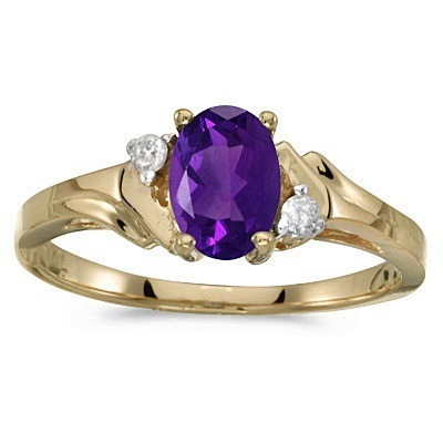 Oval Amethyst and Diamond Ring in 14K Yellow Gold (0.80ct)