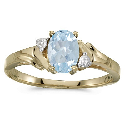 Oval Aquamarine and Diamond Ring in 14K Yellow Gold (0.70ct)