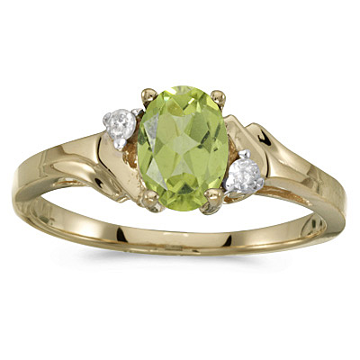 Oval Peridot and Diamond Ring in 14K Yellow Gold (0.95ct)