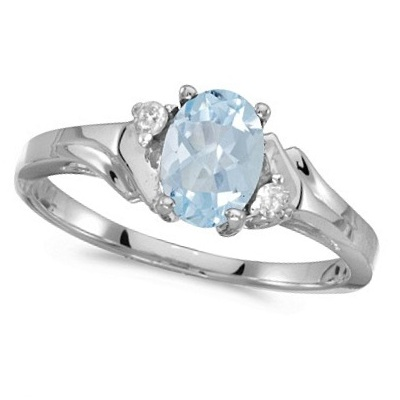 Oval Aquamarine and Diamond Ring in 14K White Gold (0.70ct)