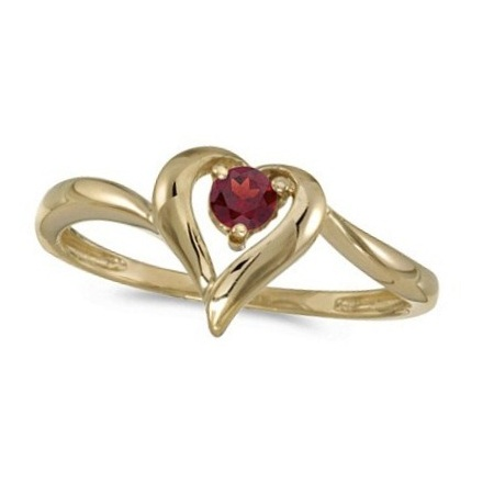 Garnet Heart Right-Hand Ring in 14k Yellow Gold (0.30ct)