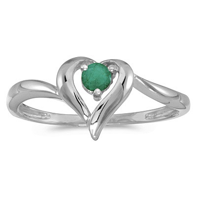 Emerald Heart Right-Hand Ring in 14k White Gold (0.25ct)
