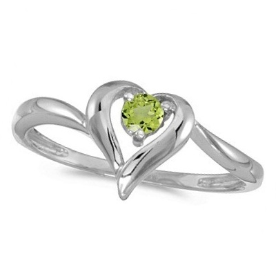 Peridot Heart Right-Hand Ring in 14k White Gold (0.30ct)