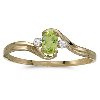 Oval Peridot and Diamond Right-Hand Ring 14K Yellow Gold (0.25ctw)