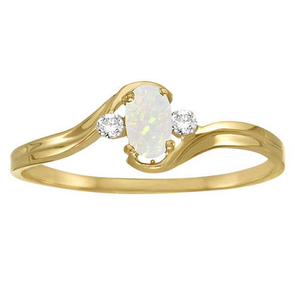 Oval Opal and Diamond Ring in 14K Yellow Gold (0.16ct)