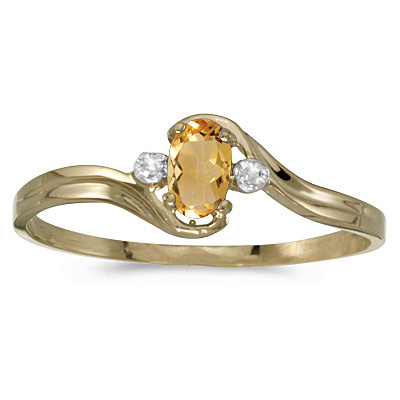 Oval Citrine and Diamond Right-Hand Ring 14K Yellow Gold (0.24ct)