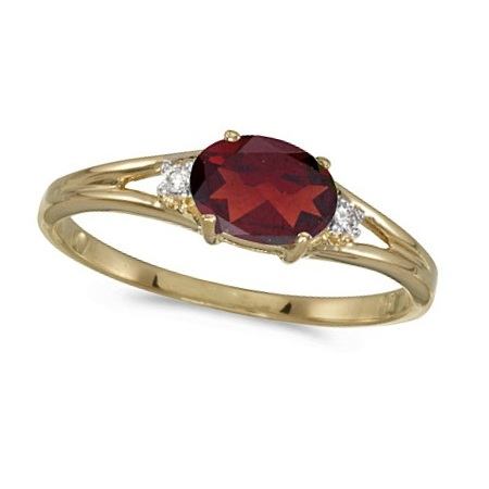 Oval Garnet & Diamond Right-Hand Ring 14K Yellow Gold (0.55ct)