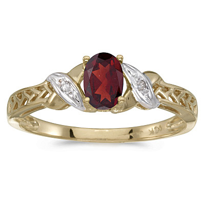 Garnet & Diamond Antique Style Ring in 14K Yellow Gold (0.55ct)