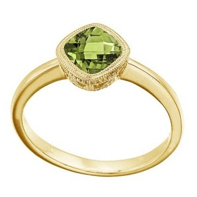 Cushion-Cut Peridot Antique Style Ring in 14K Yellow Gold (6mm)