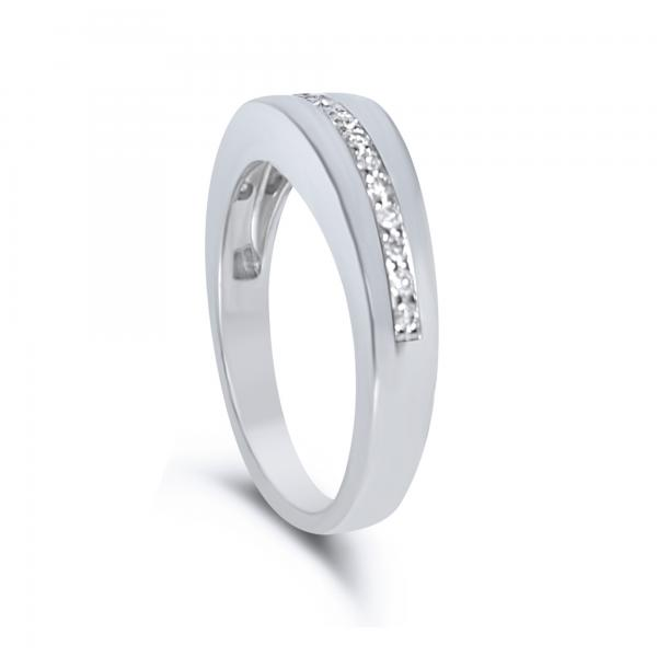 Diamond Accented Wedding Band in 14k White Gold (0.08ct)