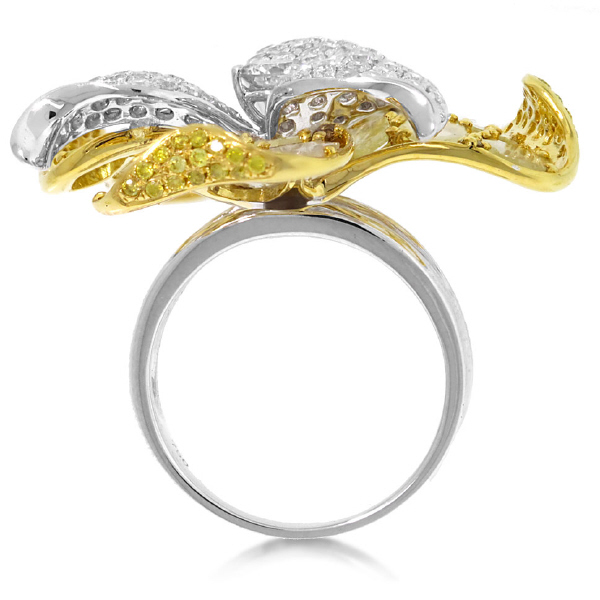 4.26ct 18k Two-tone Gold White & Fancy Color Diamond Flower Ring