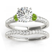 Diamond & Peridot Three Stone Bridal Set Ring 18k White Gold (0.55ct)