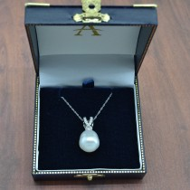 AAA Quality Freshwater Pearl & Diamond Necklace 14K White Gold (7.5-8mm)