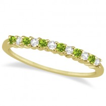 Petite Diamond & Peridot Wedding Band 18k Yellow Gold (0.20ct)