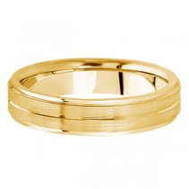 Carved Wedding Band in 14k Yellow Gold For Men (5mm)