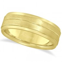 Carved Wedding Band in 14k Yellow Gold For Men (7mm)