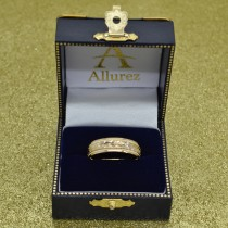Hand Engraved Wedding Band Carved Ring in 18k Yellow Gold (4.5mm)