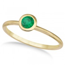 Emerald Bezel-Set Solitaire Ring in 14k Yellow Gold (0.65ct)