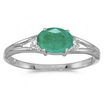 Oval Emerald & Diamond Right-Hand Ring 14K White Gold (0.45ct)|escape