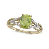 Oval Peridot and Diamond Cocktail Ring in 14K Yellow Gold (1.37 ctw)